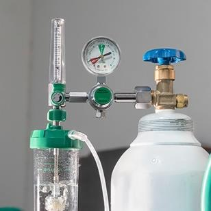 medical oxygen flow meter and tank